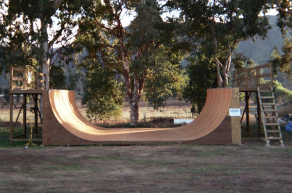 8 Ft High X 24 Ft Wide Halfpipe With Marine